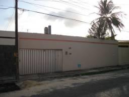 Alugo Casa 180m² 4qrts 2Sts no Papicu Cod. 526