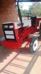 Trator Agrale 440 com implementos