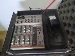 Mesa de som, potencia e par de caixas