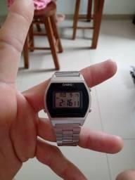 Troco relógio Casio prata original novo sem uso por Nike Air force