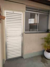 Apartamento em Catú de Abrantes, 2 quartos, 1 banheiro, 1 vaga de estacionamento