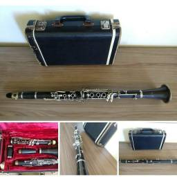 Clarinete Conn 17 Chaves