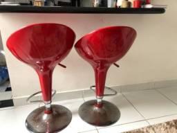 2 Banquetas vermelhas