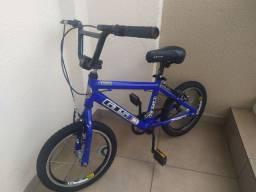 Bicicleta GTS aro 16.
