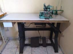 Máquina de Costura Overloque semi-industrial Butterfly com mesa usada
