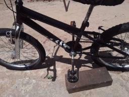 Vende-se uma bike lindaaa toda durinha Aro 20.