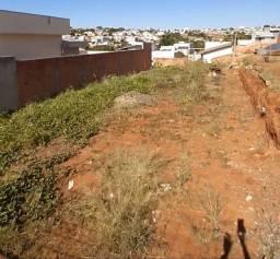 Vendo terreno no jardim Ipê