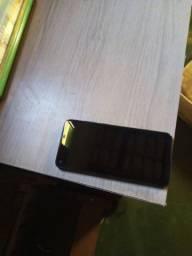 A11  com um mes de uso 750 telefone zero