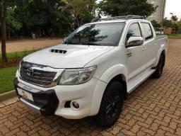 Toyota Hilux 3.0 SRV 4X4 CD 16V Turbo Intercooler Diesel 4P Automático 2015