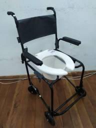 Vendo cadeiras de Banho novas