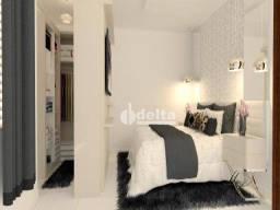 Título do anúncio: Apartamento com 2 dormitórios à venda, 81 m² por R$ 200.000,00 - Vida Nova - Uberlândia/MG