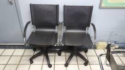 Cadeira de escritório giratória e com rodinhas