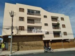 Apartamento com 3 dormitórios para alugar, 90 m² por R$ 1.000,00/mês - Vila Oswaldo - Uber