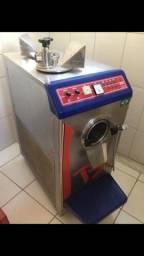 Máquina sorvete e açaí com torre refrigeracao