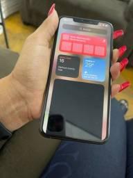 iPhone 11 Pro max, troco com 12 pro max