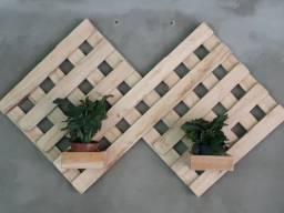 Floreiras de madeira