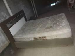 Cama box,base,colchão e cabeceira com espelho.
