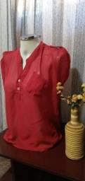 Título do anúncio: Blusa NOVA em Crepe Vermelho - Tam. M