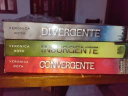 Todos os livros da saga Divergente por 30 reais