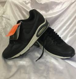 TÊNIS NIKE - AIR MAX COMMAND