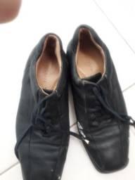 Sapato social democrata couro ,42 n, preço  negociavel