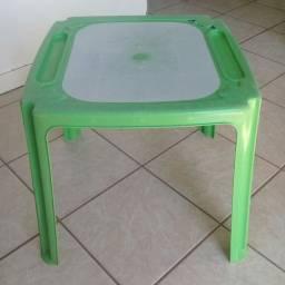 Mesa de plástico infantil