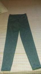 Calça legging feminina cinza ,nova, tamanho P,r$30,00/leia anúncio