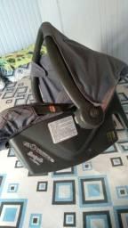 Vendo esse kit de bolsa e um bebê conforto