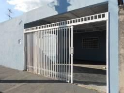 Cal 1227 - Casa com 02 dormitórios - Bairro Hilda Mandarino - Araçatuba SP