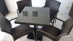 Conjunto Giardinni mesa com 4 cadeiras
