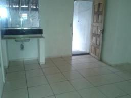 Casa Individual com 2 cômodos em Taboão da Serra