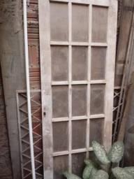 Porta de madeira usada