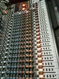 Mesa de som super Nova de 24 apenas 6 meses de comprada