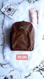 Vendo bolsas e mochilinhas