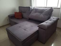 Sofá semi-novo com pillow retrátil e encostos reclináveis