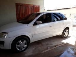 Vendo corsa sedan premium 1.4 carro bom - 2011