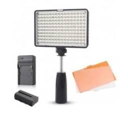 Usado, Iluminador Led Greika com 160 Leds Com Carregador e Bateria Para Câmera e Filmadora comprar usado  Fortaleza