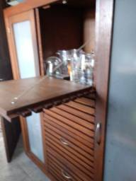 Ótimo armário Madeira para sua sala, copa e cozinha 450,00