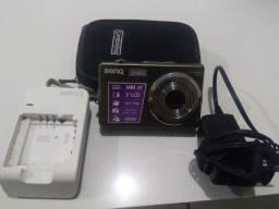 Camera benq com case e carregador, antigos mas funcionando