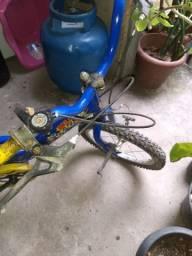 Vendo as duas bicicletas infantis