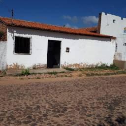 Vende-se uma casa no bairro Piauí, na cidade de Parnaíba-PI