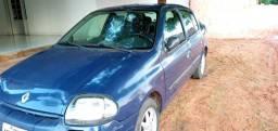 Clio sedan Super conservado!!!