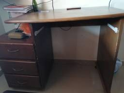 Mesa de estudo 100% madeira