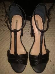 Sandália Sapatinho de Luxo salto grosso