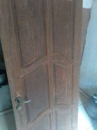 Uma porta de madeira de  Sicupira porta de alumínio de banheiro.