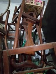 1 conjunto de cadeiras em mogno puro