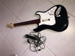 Guitarra e microfone Rock Band 3