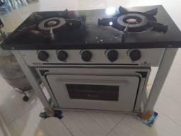 Vendo fogão industrial com forno