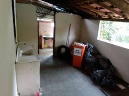 Casa em São João do Jacutinga com lote garagem e quintal!