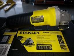Esmilhadeira Stanley 220volts